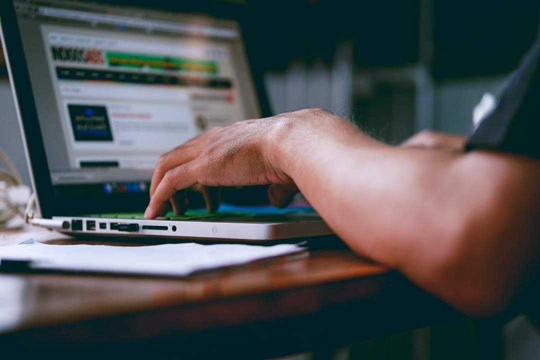 Crear página web gratis en Chile con dominio propio